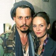 johnny-depp-vanessa-paradis-johnny-depp-7530857-486-481